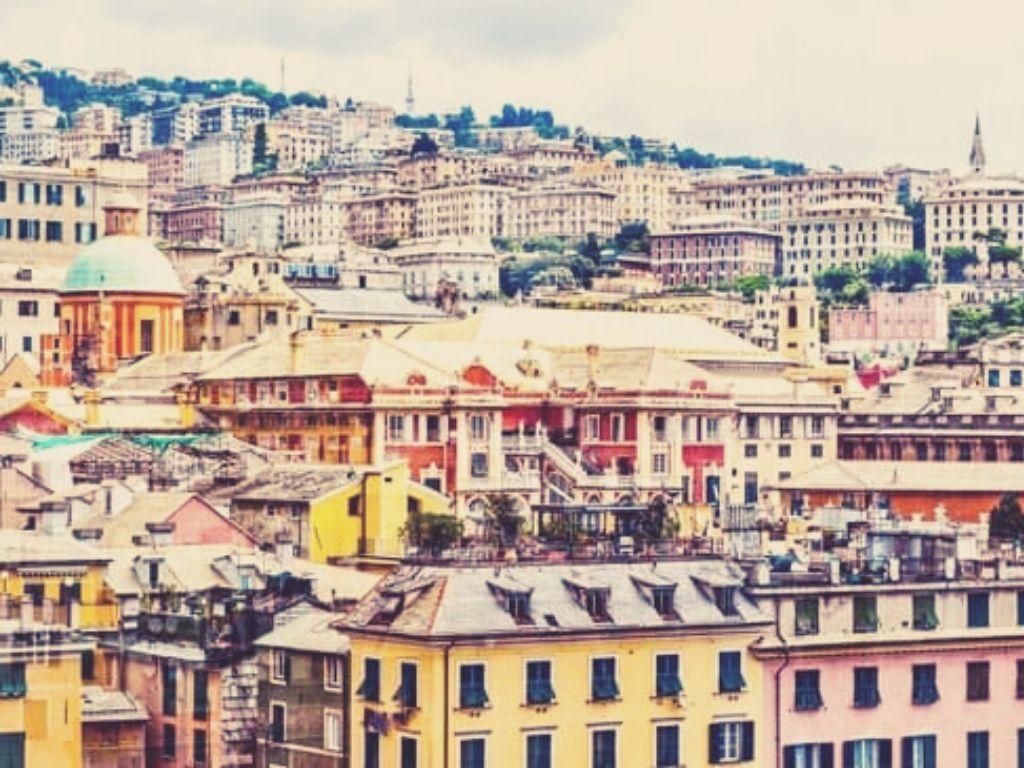 Vue sur les différentes strates de Gênes
