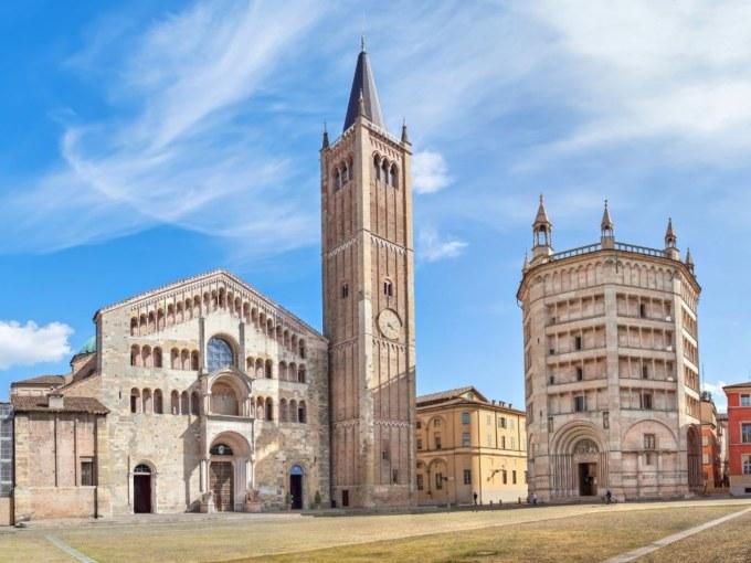 Voyage_gastronomique_a_Parme_Piazza_Duomo